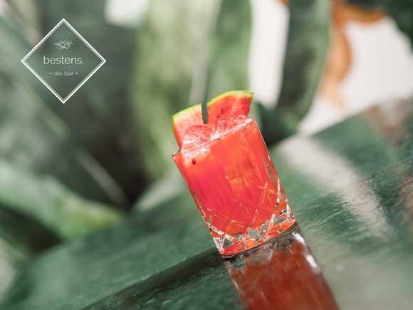 cocktail mit frischer wassermelone